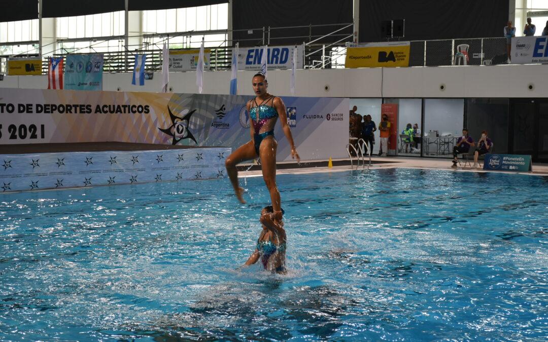 Rutina combinada de Natación Artística en el Sudamericano de Deportes Acuáticos Buenos Aires 2021